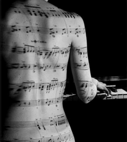 femme, dos, piano, partition